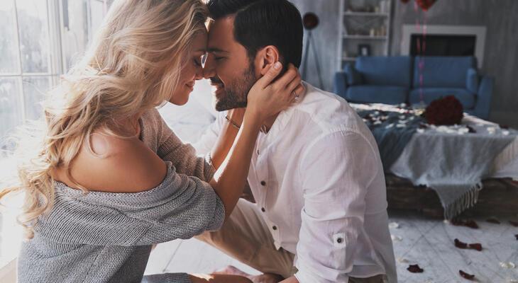 Hogyan mutatja ki a férfi ha szerelmes